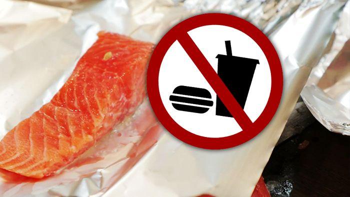 Einige Lebensmittel solltest Du lieber nicht in Alufolie wickeln.