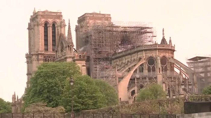 Nach Feuer In Notre Dame Frankreich Unter Schock Videos Wetter Com