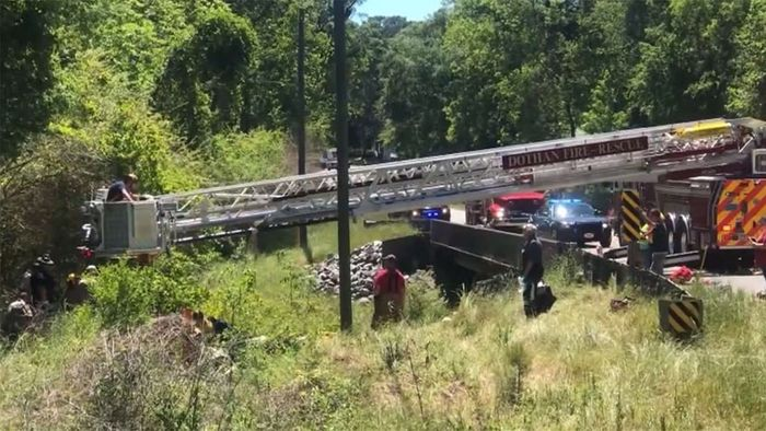 Fünf Tage in Auto eingeschlossen: Frau nach Unfall gerettet