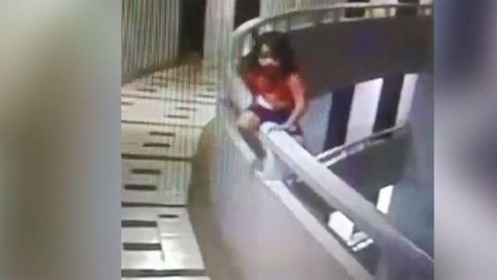 Schlafgewandelt: Fünfjährige stürzt 30 Meter in die Tiefe