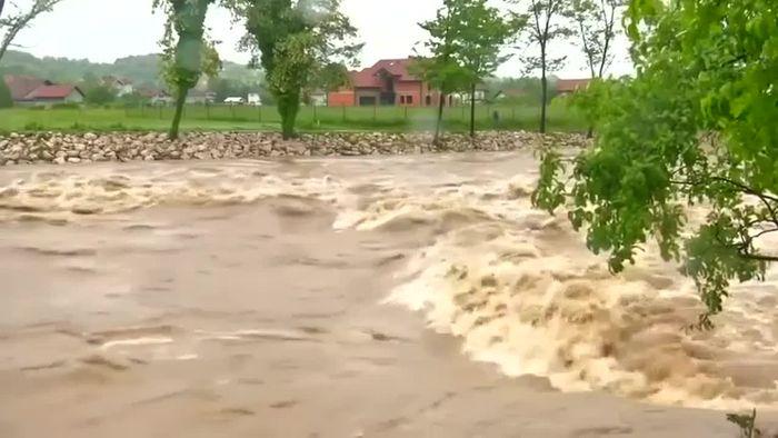 Notstand nach Überflutungen in Bosnien