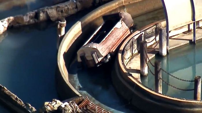 Horror-Unfall in Freizeitpark: Familie aus Wildwasserbahn geschleudert
