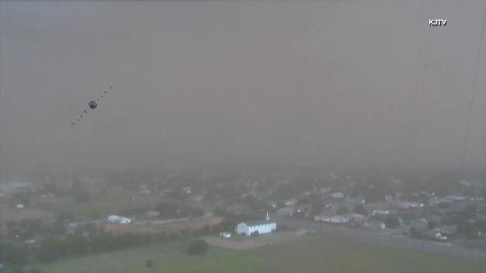 Sandsturm walzt über Stadt in Texas hinweg