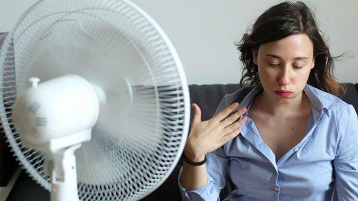 Bei Hitze kann man mit ein paar Tricks besser mit den heißen Temperaturen zurechtkommen.