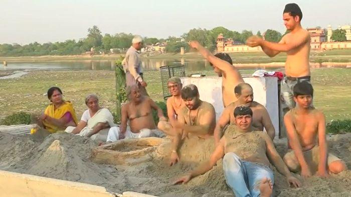 Dürre in Indien: Sandbad statt Wasserbad