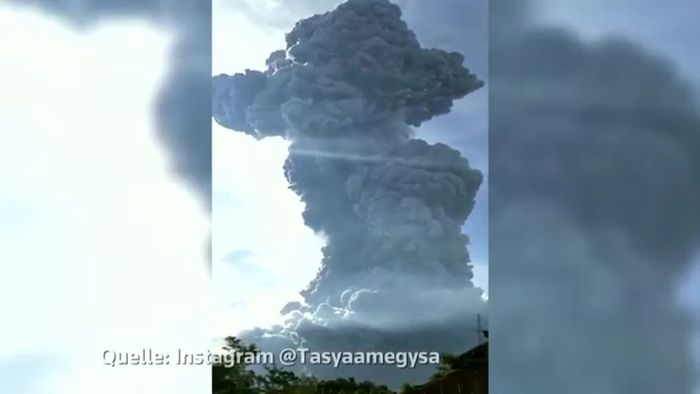 7 Kilometer hohe Aschewolke: Panik nach Vulkanausbruch