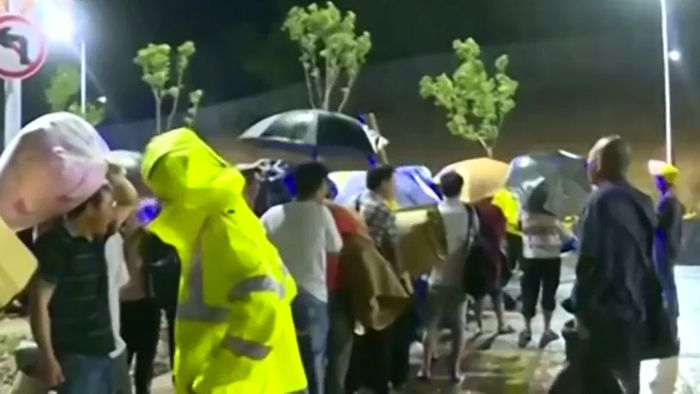 Massenevakuierungen: Taifun LEKIMA wütet über China