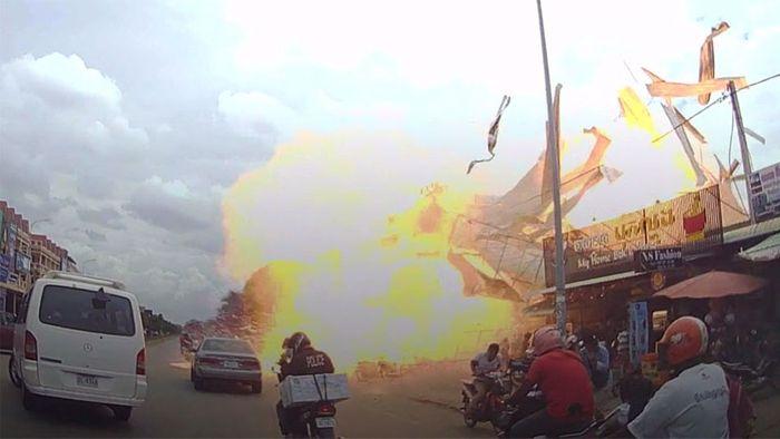 Schock und Verletzte! Tankfahrzeug explodiert an Tankstelle