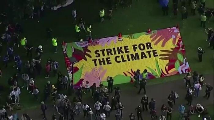 Australien macht den Anfang: Weltweite Proteste für Klimaschutz