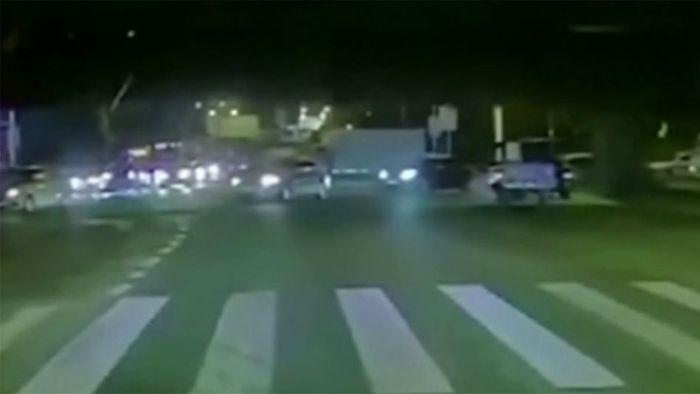 Mehrere Tote: Autobahnbrücke stürzt auf fahrende Pkw