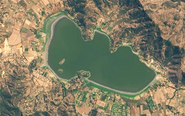 Der Aculeo See war 2014 noch ein beliebtes Wassersport- und Badeziel in Chile.