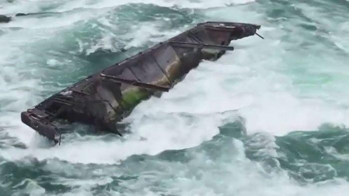 Nach 100 Jahren: Wrack treibt auf Niagarafälle zu
