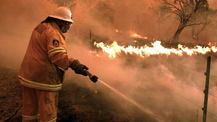 Buschfeuer in Australien bilden Mega-Brand