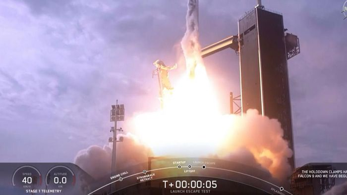 Erfolgreiche Selbstzerstörung: SpaceX-Rakete explodiert - ganz wie geplant