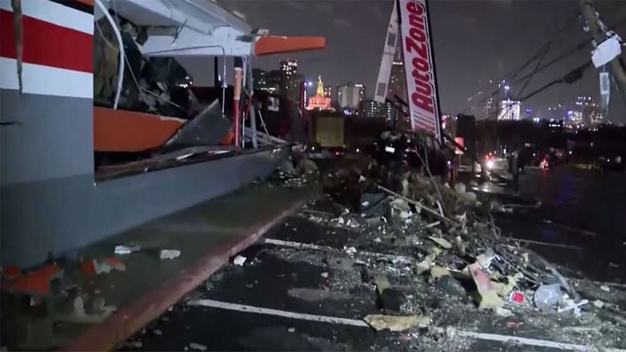 Tornado nimmt Germantown in Nashville auseinander