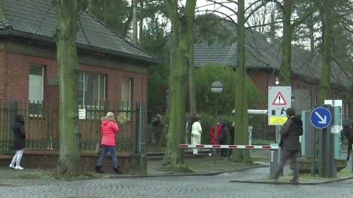 """Erste Corona-Tote in Deutschland - """"Drive-In""""-Schnelltests eingeführt"""