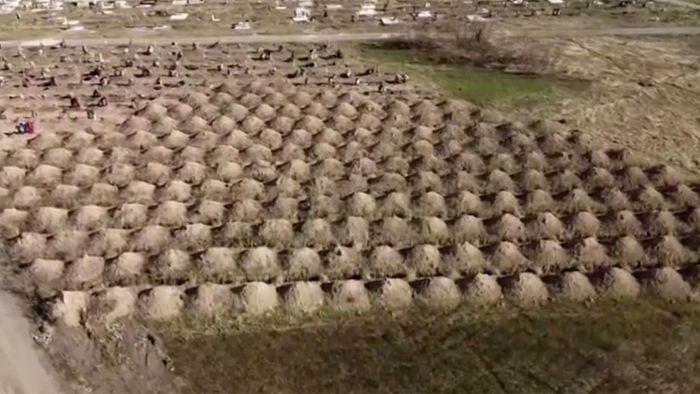615 Gräber für mögliche Covid-19 Tote