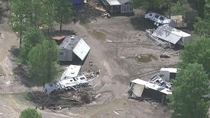 Nach Dammbruch: Luftaufnahmen zeigen verheerende Schäden
