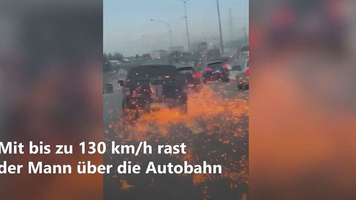 Während Verfolgungsjagd Rad verloren: Funkenregen auf Autobahn