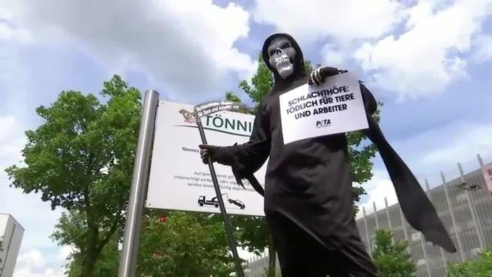 Enormes Pandemie-Risiko: Staatsanwaltschaft ermittelt gegen Tönnies