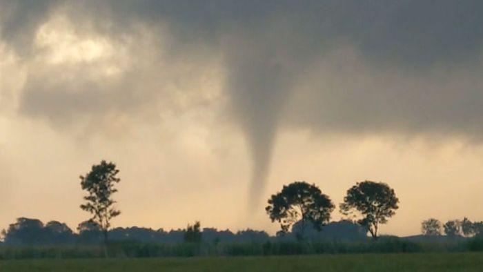Spektakuläre Bilder! Tornado über Niedersachsen