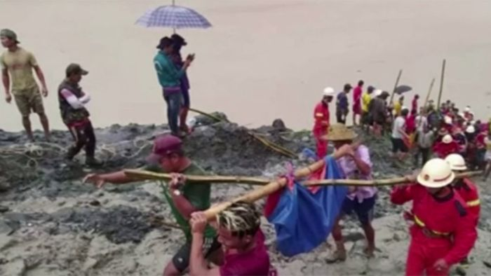 Erdrutsch in Myanmar fordert über 100 Tote