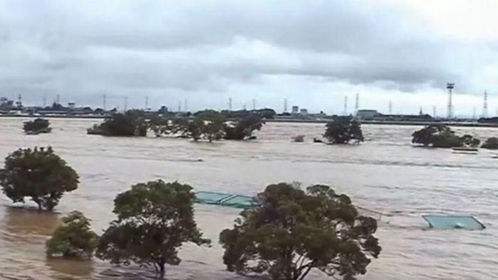 Nie dagewesene Regenfälle: Land unter in Japan