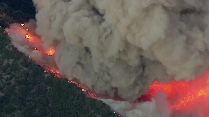 Knapp 2500 Häuser geräumt! Heftige Waldbrände wüten in Kalifornien
