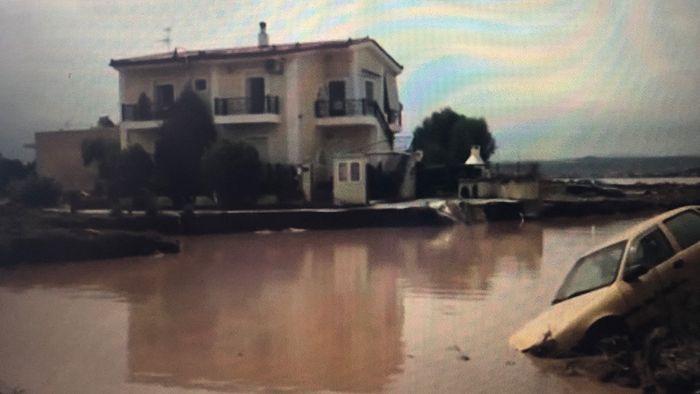 Unwetter im Nordosten Athens mit mehreren Toten