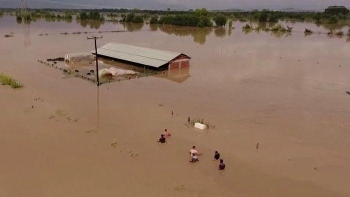 Land unter in Griechenland! Schwere Überflutungen nach Medicane