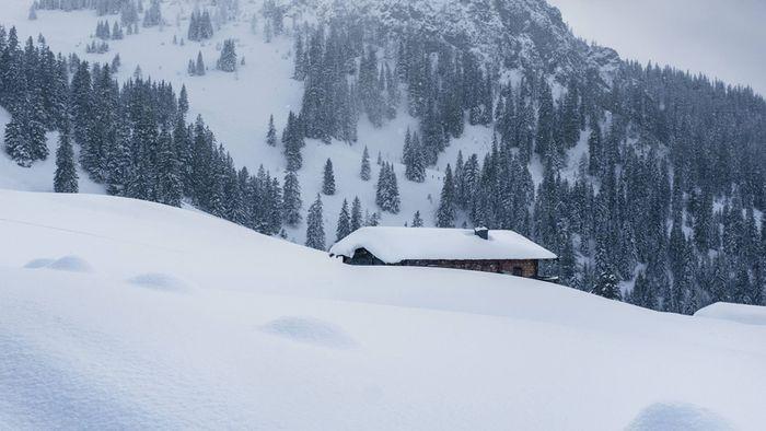 Wintereinbruch in den Alpen! Über einen halben Meter Schnee