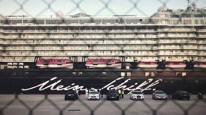 Gestrandet in Piräus: Corona-Zwangspause für TUI-Kreuzfahrtschiff
