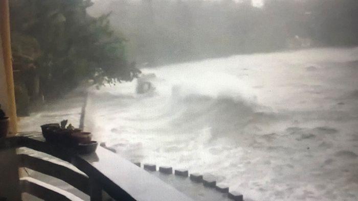 MOLAVE schlägt zu - Philippinen vom 17. Taifun des Jahres getroffen