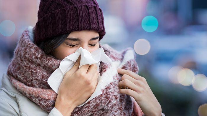 Egal ob Grippe, Corona oder Erkältung, im Winter werden wir schneller krank.