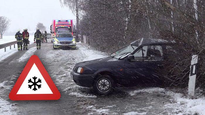 In mehreren Regionen sorgten am Dienstagvormittag Schneefälle für Chaos.