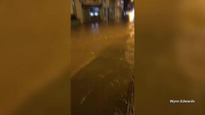 Sturmtief setzt Kleinstadt in Wales unter Wasser