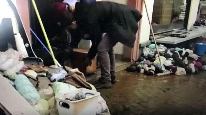 Aufräumen nach Hochwasser in Büdingen