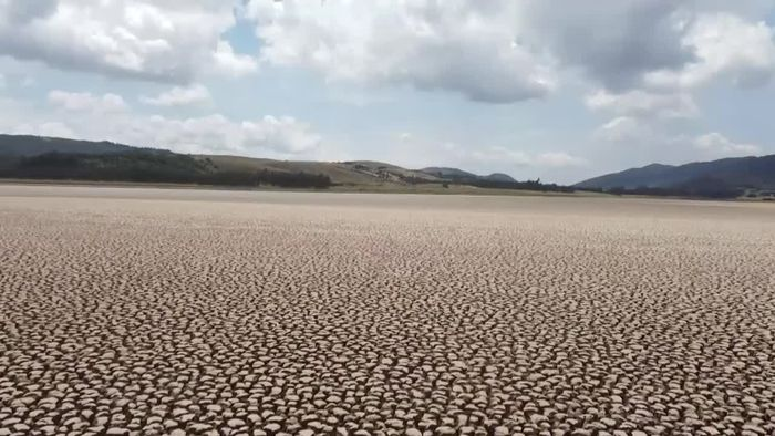 Klimawandel lässt Naturparadies sterben: Beliebter See trocknet aus