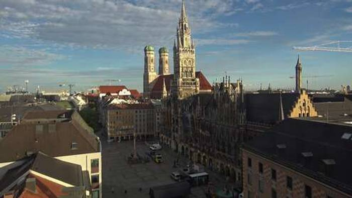 HD Live Webcam München - Marienplatz - Frauenkirche