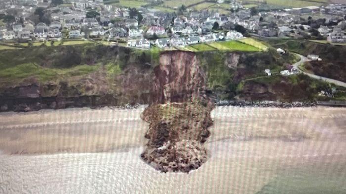 Erdrutsch lässt Hausbesitzer bangen