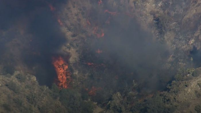Dürrewelle in Kalifornien: Feuer wütet nahe Los Angeles