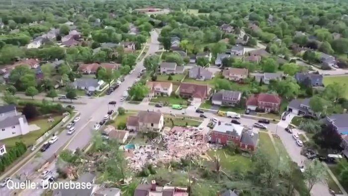 """""""Extrem gefährlicher Tornado"""" pflügt durch Wohnsiedlung"""