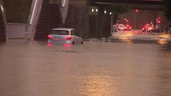 Unwetter haben auch am Dienstag und in der Nacht Chaos und Schäden verursacht.