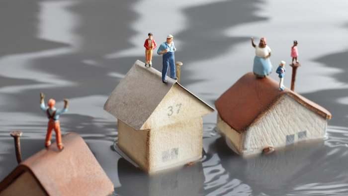 Starkregen kann schlimme Überflutungen auslösen und immense Schäden an Haus und Garten verursachen.