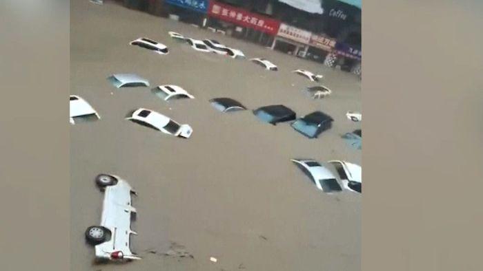 Unfassbare Fluten! Mehrere Tote in chinesischer Stadt Zhengzhou