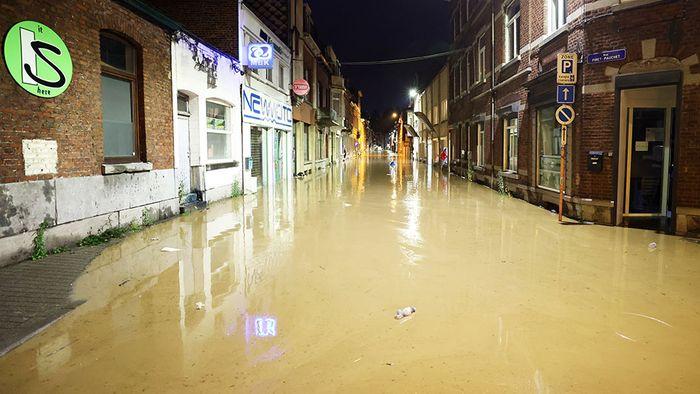 Nach Überflutungen in Belgien: So ziehen die Gewitter weiter