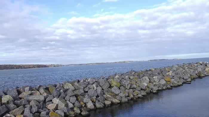 HD Live Webcam Laboe, Yachthafen, Blick nach Schilksee