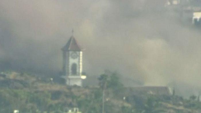 Lavastrom auf La Palma erreicht Dorf – Kirchturm stürzt ein