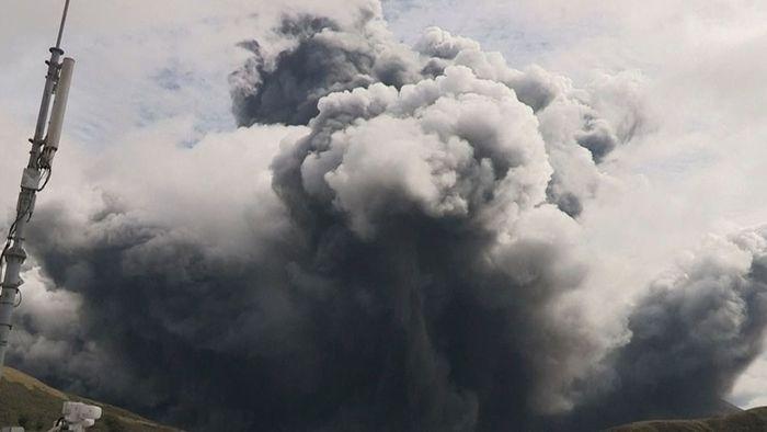 Riesige Aschewolke: Vulkan im Süden Japans bricht aus
