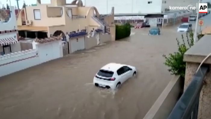Unwetter in Spanien: Sturzfluten, Überschwemmungen und Schäden